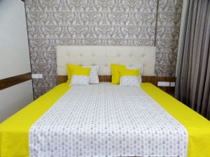 Yellow Christmas tree Double Bed Sheet