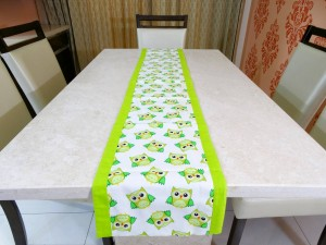 """Little Birdie"" Cotton Table Runner"