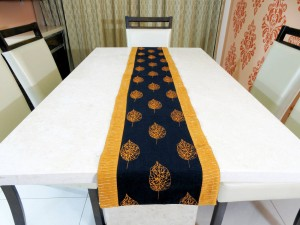 """Leaves n Shimmer"" Cotton Table Runner"