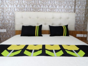 3 Pcs Bed Runner Set