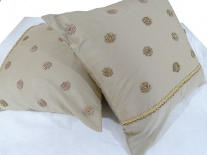 Netted Flower Cushion Cover Set