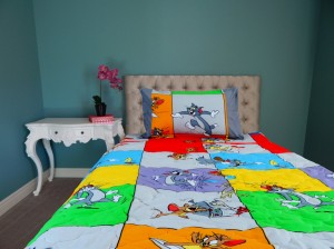 Tom n Jerry Cartoon Bed in Bag (red border)