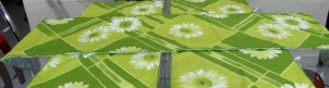 Green Gerbera Table Runner (7PCS)